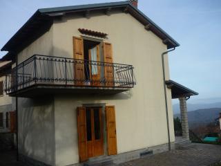 casa singola con giardino in zona panoramica - Montemignaio vacation rentals