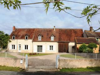Nice Gite with Internet Access and Dishwasher - Saint-Plantaire vacation rentals