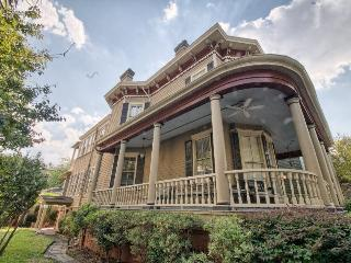 Great Savannah vacation home with courtyard centrally located in the Savannah Historic District and by Forsyth Park - Savannah vacation rentals