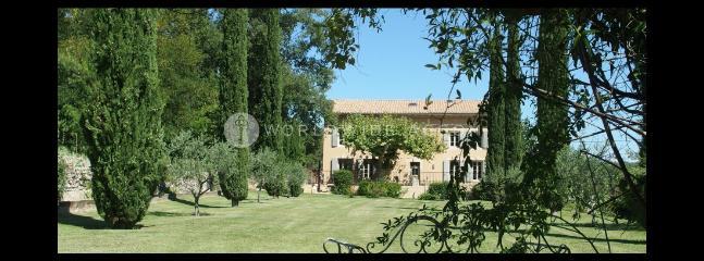 Maison Côté Collines - Rognes vacation rentals
