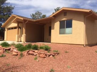 New modern home close to hiking located in Village of Oak Creek 3 Bedroom 2 Bathroom - Village of Oak Creek vacation rentals