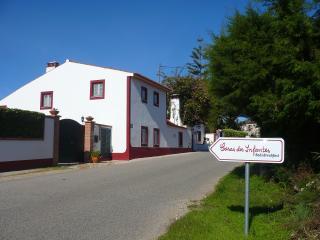 """Casas dos Infantes  """"Casa do Celeiro"""" - Caldas da Rainha vacation rentals"""