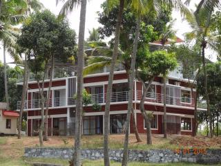 Paravur Lake House near Varkala - Kollam vacation rentals