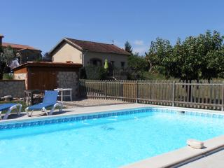 Comfortable Gite with Internet Access and A/C - Aussac vacation rentals