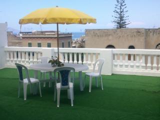 La grande terrazza ab 460 - Canneto di Lipari vacation rentals