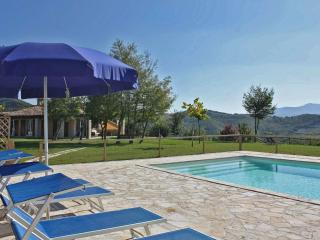 Private villa,11 sleeps, pool, pet-friendly, wi-fi - Fermignano vacation rentals