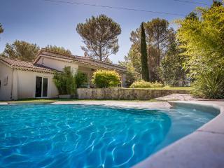Provence, near Aix: Opulent, japanese-style villa w/ pool, hot tubs & garden - Ventabren vacation rentals