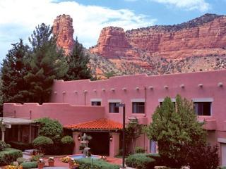 2 BR - Pet-Friendly Bell Rock Inn - Village of Oak Creek vacation rentals