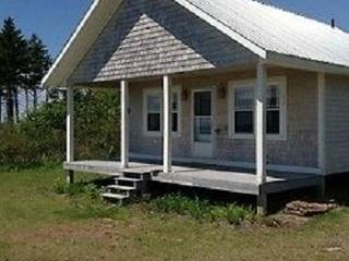 Beautiful House with Internet Access and Washing Machine - Wood Islands vacation rentals