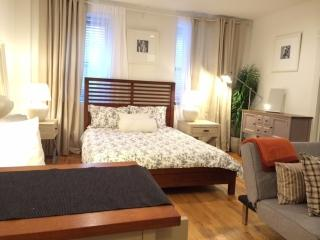 Cozy Studio, Steps to Union Square~Fully Furnished - New York City vacation rentals