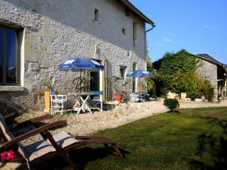 Dogs Welcome France Pet Friendly Gite - Loudun vacation rentals