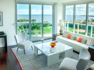 2 bedroom Condo with Internet Access in Coconut Grove - Coconut Grove vacation rentals