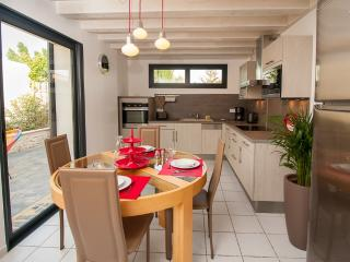 2 bedroom Gite with Internet Access in Lunel - Lunel vacation rentals