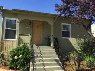 N Oakland Bungalow near Emeryville - Oakland vacation rentals