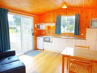Perfect Strahan Cabin rental with Shampoo Provided - Strahan vacation rentals