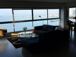 Ocean Front Super view, Next to hilton, WIFI - Panama City vacation rentals