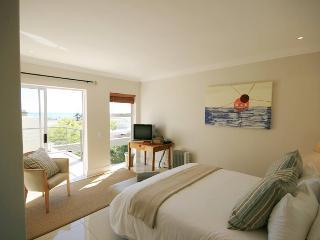 3 bedroom Villa with Short Breaks Allowed in Camps Bay - Camps Bay vacation rentals