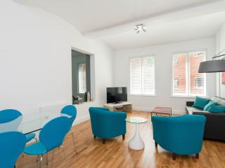 Newly Refurbished 2 Bed Warehouse Apartment - London vacation rentals