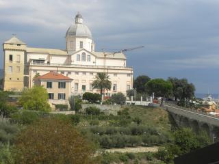 Prestigioso attiico  vista mare-monti a B.Castello - Loano vacation rentals