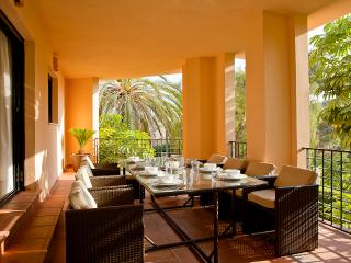Apartment for 8 by the beach at Puerto Banús - Marbella vacation rentals
