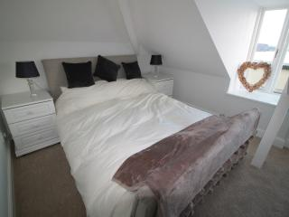 Penthouse Flat Tenby Breathtaking Sea Views - Tenby vacation rentals