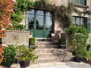 les fleurs | heated pool | stunning location - Limoges vacation rentals
