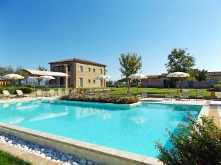 Holiday Villa in Cortona, La Fiorita - Cortona vacation rentals