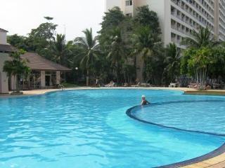 Beautiful studio condo rental on low floor VT1R72 - Pattaya vacation rentals