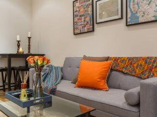 FLOOR THRU PENTHOUSE WITH OUTDOOR GARDEN! SLEEPS 9 - New York City vacation rentals