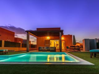 Villa Lucuma - Direct Golf/Ocean View, Heated Pool - Caleta de Fuste vacation rentals