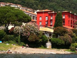 Romantic 1 bedroom San Siro Apartment with Internet Access - San Siro vacation rentals