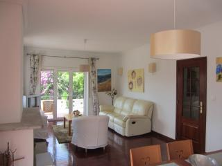 4 bedroom Apartment with Internet Access in Cascais - Cascais vacation rentals