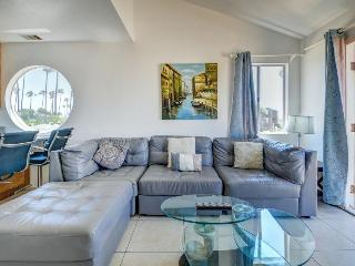 Stylish, dog-friendly combo duplex steps from the beach! - Pacific Beach vacation rentals
