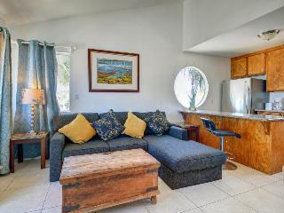 Dog-friendly townhome with a balcony and nearby beach access! - San Diego vacation rentals