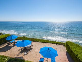 Listen to the waves from this oceanfront luxury home for 10. - Encinitas vacation rentals