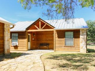 Cute & cozy Texas country cabin right by Medina Lake - Lakehills vacation rentals
