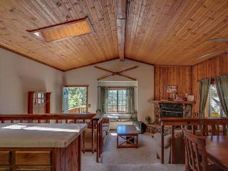Quaint cabin for four close to the lake and The Village - Big Bear Lake vacation rentals