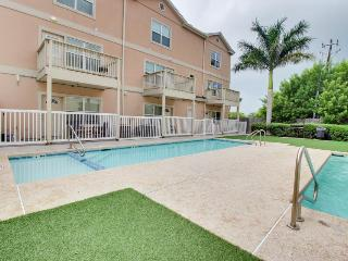 Walk your dog to the beach; shared pool and hot tub with this great home - Port Isabel vacation rentals