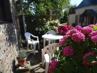 2 bedroom Cottage with Iron in Crozon - Crozon vacation rentals