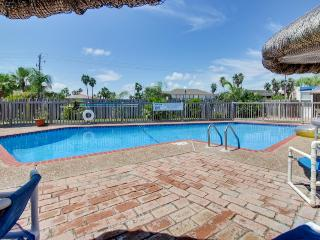 Beachfront condo w/amazing views, shared pool, & more! - South Padre Island vacation rentals