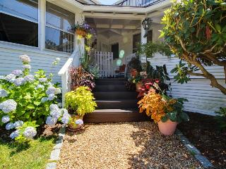 Historic home with gorgeous antiques and modern conveniences - Oak Bluffs vacation rentals