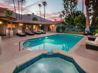 Beautiful home close to golf w/private pool & hot tub - Palm Springs vacation rentals