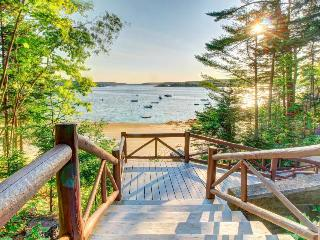 Vintage, dog-friendly log cabin w/ beach club access, very close to harbor - Boothbay Harbor vacation rentals