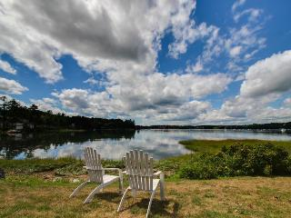 Oceanfront luxury two-bedroom, minutes to Boothbay Harbor! - Edgecomb vacation rentals