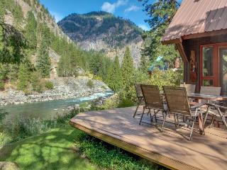 Picturesque riverfront home w/private hot tub, stunning river views! - Leavenworth vacation rentals