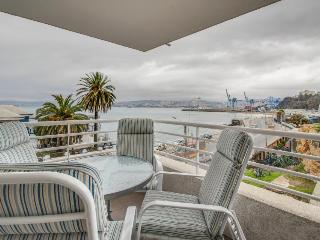 Condo with ocean views, shared pool, private patio! - Valparaiso vacation rentals