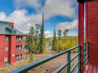 Lovely ski-in/ski-out condo with room for 6 + dog - Brian Head vacation rentals