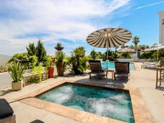 Colorful, oceanfront condo w/ shared pool & hot tub - Dogs OK! - Galveston Island vacation rentals