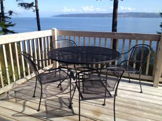 Waterfront retreat with panoramic sea views - Coupeville vacation rentals