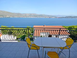 Apartments Kristina - 46911-A3 - Okrug Donji vacation rentals